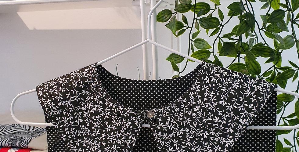 Cuello  negro flores blancas y lunares