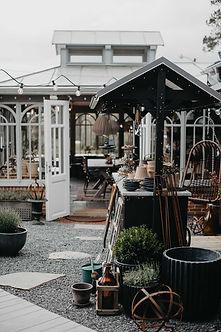 Orangeri och innergård