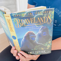 """A Book Review on """"Bravelands: Shadows on the Mountain: Curse of the Sandtongue"""" by Erin Hunter"""