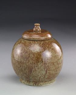 Beutler, Speckled brown jar.jpg