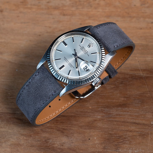Suéde  Dark grey watch strap