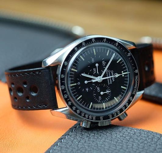 #speedmaster _Black #watchstrap _E-shop?