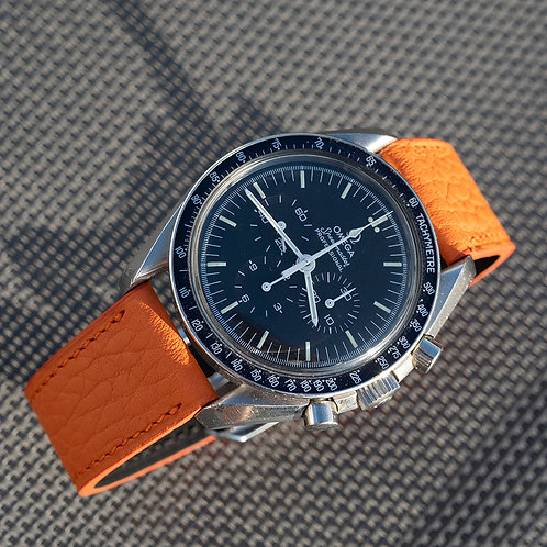 Grained orange taurillon rubber lining