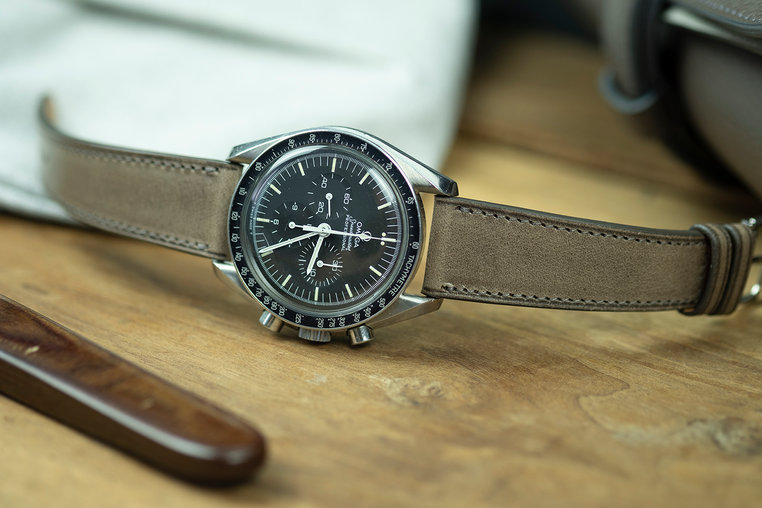 plomb grey vintage watch strap.jpg