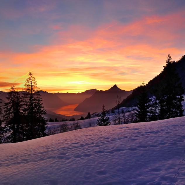 Ibergeregg_Hochfluh_Sunset_Pano.jpg