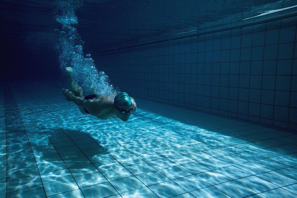 Natacao_piscina.jpg