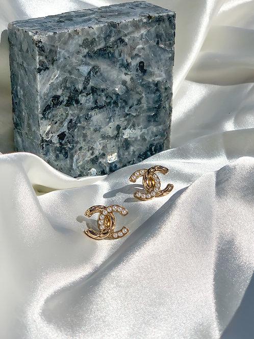 Pearl Hollywood Earrings