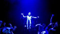 Elton - Bodies