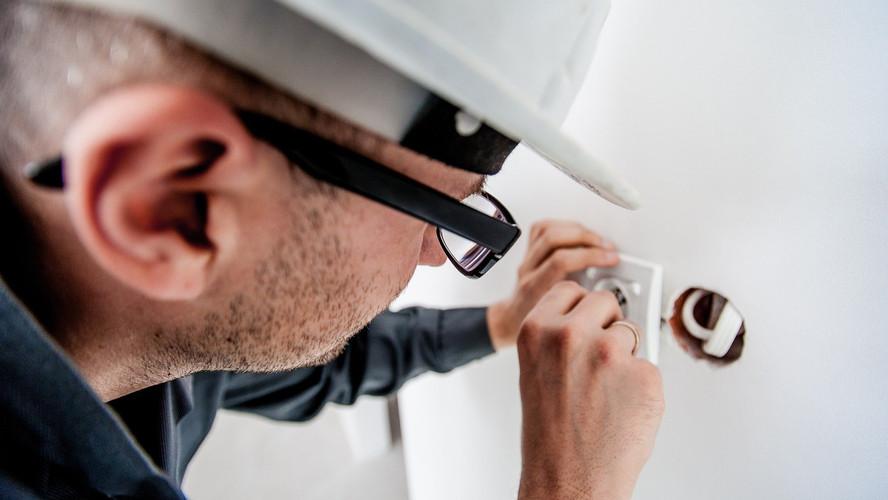 4 cuidados a ter com a instalação elétrica da sua casa