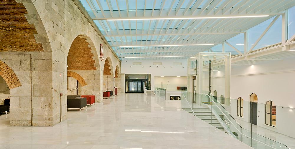 projeto de iluminação com marca tromilux universidade de gibraltar