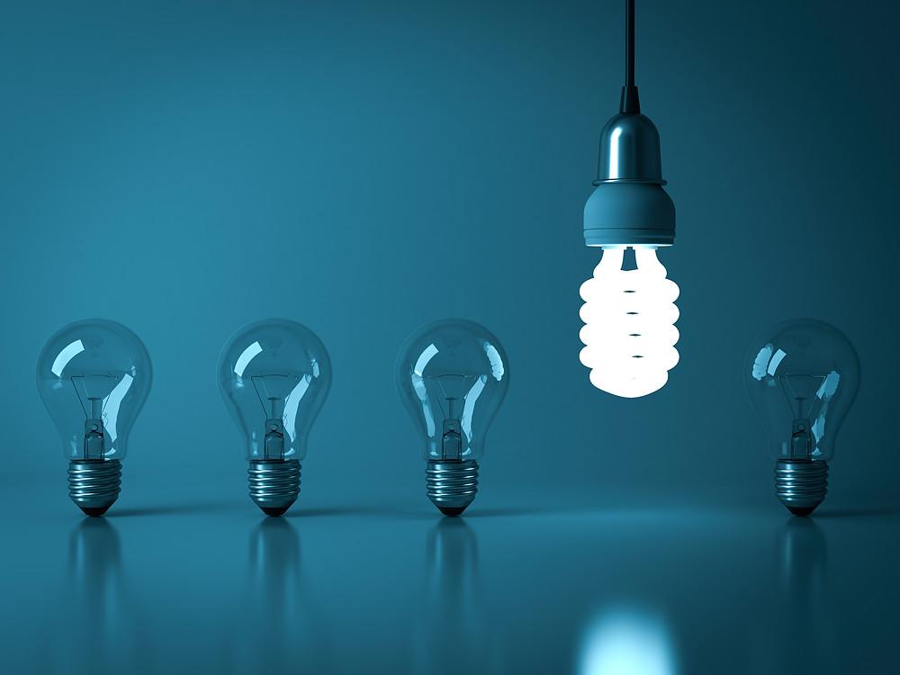 Lâmpadas antigas e lâmpadas em LED modernas duração de vida prolongada Tromilux
