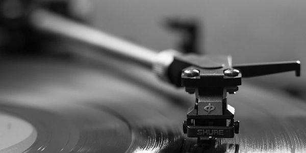 recordplaying.jpg