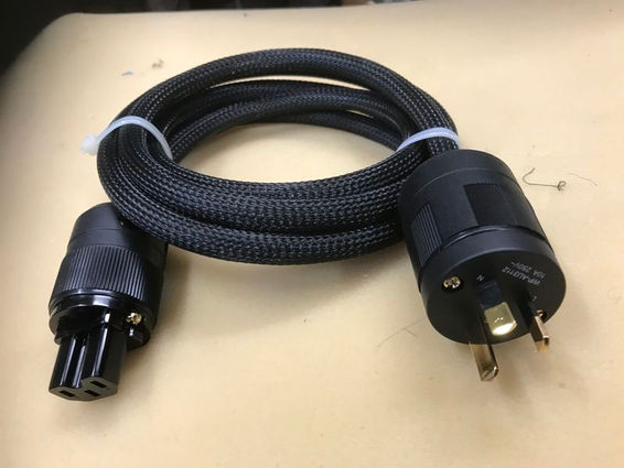 Powerblack mains cable
