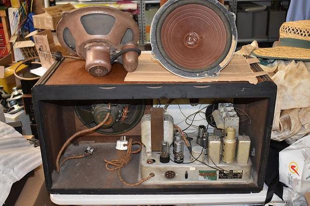Restored valve radio