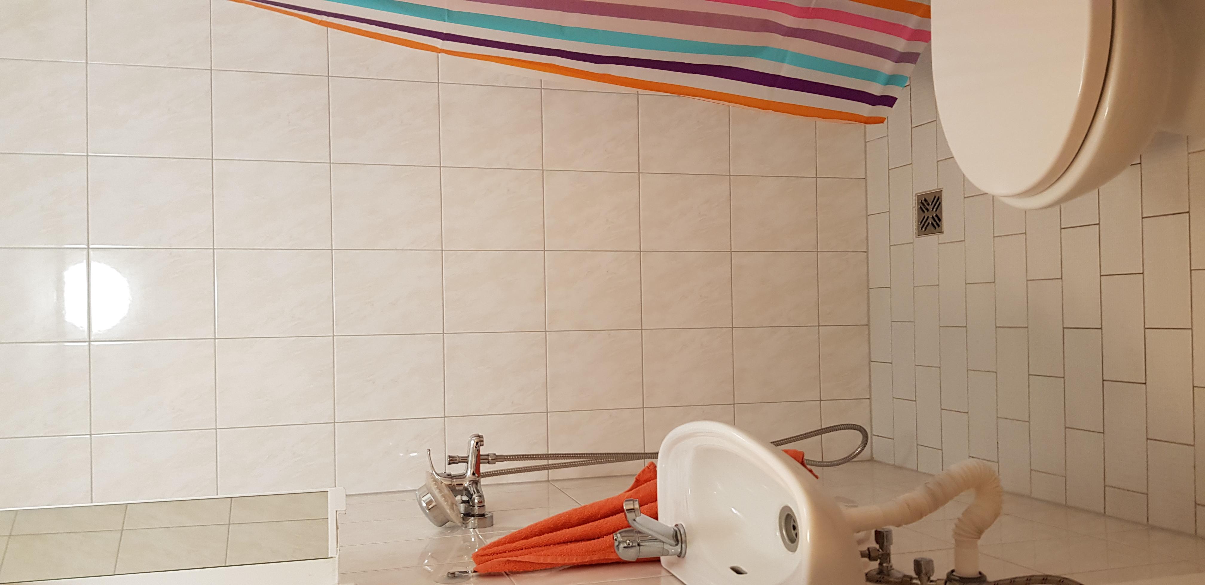 2._záchod_se_sprchou