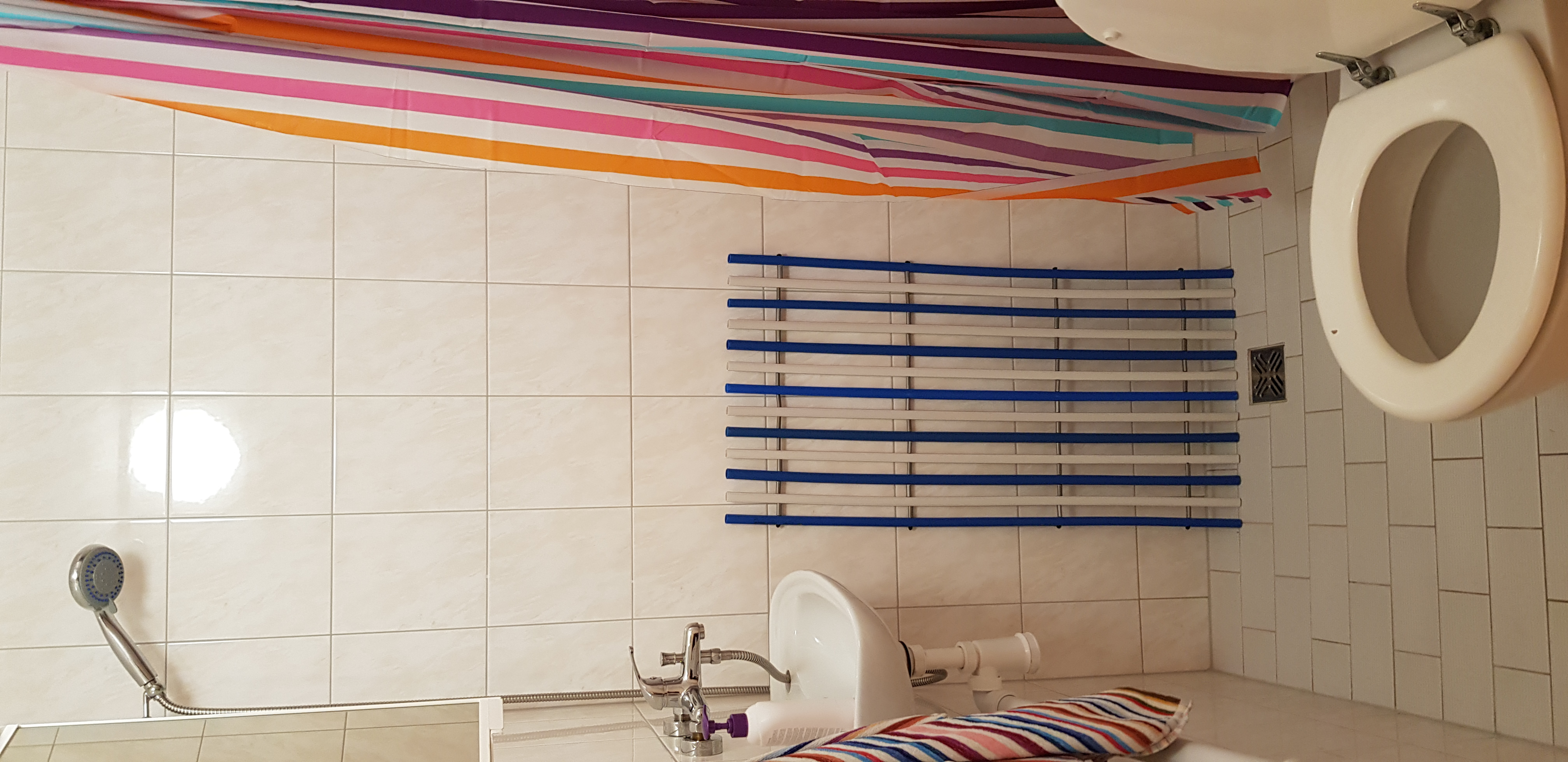 1._záchod_se_sprchou
