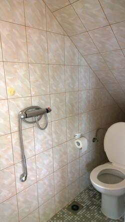 ap. A záchod