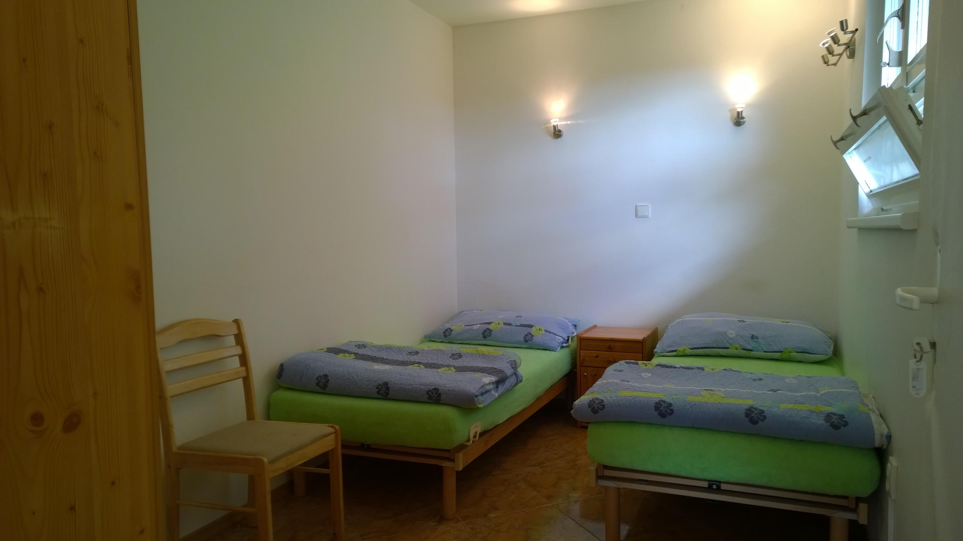 ap. A ložnice vedle společenské místnosti.jpg