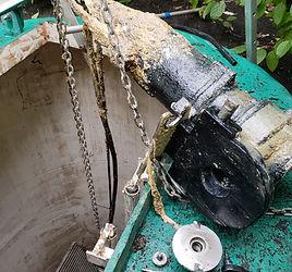 Sewage pump lift-out station