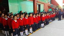 Alumnos en acto cívico