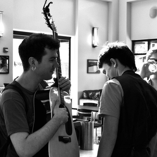 guitar recoding in the studio