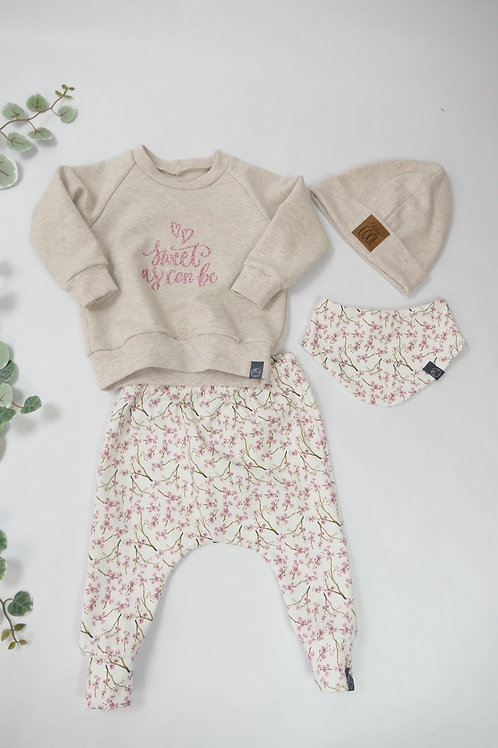Set Sweater, Halstuch + Slim Harenpants + Hipster Beanie (beige +Kirschblüten)