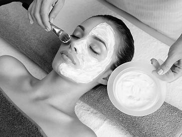 Heerlijk gezichtsmasker bij Salon Bjoetie Enschede