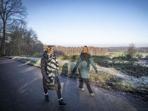 Oldenzaalse Marguerite Bosselaar ziet mindfull wandelen als medicijn: Problemen worden minder zwaar