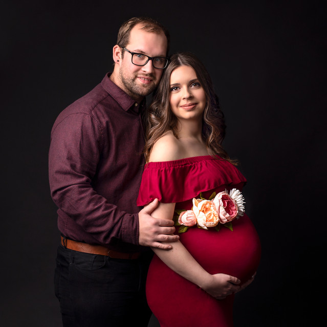 Award winning Maternity and dogs portrait