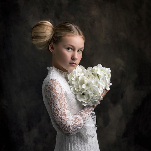 Suzi-Gardner-Studio-Portrait-October-Eng