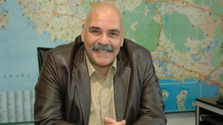 62 yaşındaki usta sanatçı Rasim Öztekin hayatını kaybetti