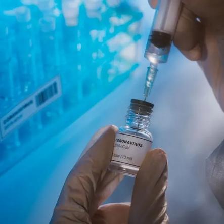 Oxford-AstraZeneca ortaklı Kovid-19 aşısının klinik denemelerine devam kararı