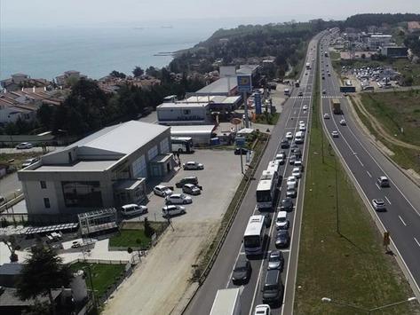 """""""Tam kapanma"""" öncesi İstanbul-Tekirdağ yolunda trafik yoğunluğu!"""