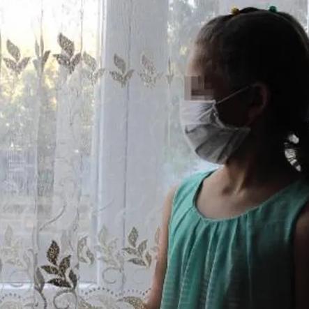 Koronavirüslü kişi 9 yaşındaki çocuğa tükürdü