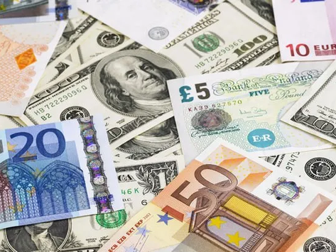 Dolar ve euro hareketli