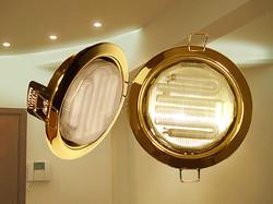 Потолочные светильники и лампы Ecola