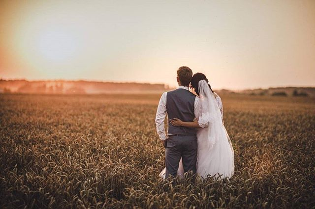 Saulrieta baudīšana kāzu dienā...