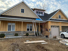 roofing contractor .JPG