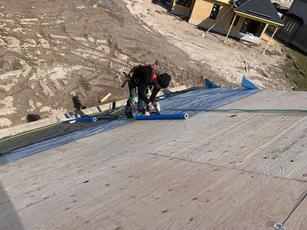 roof roofer .JPG