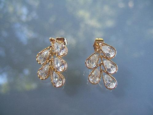 Elegant earrings Leaf-shaped crystals