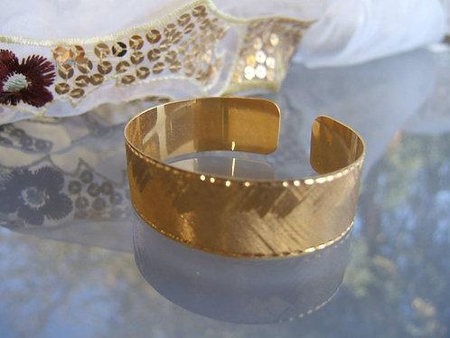 Smooth open bangle bracelet