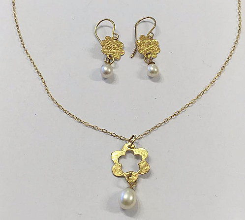 Goldfield  set ,   pearls jewelry, Flowers jewelry, Gift for her