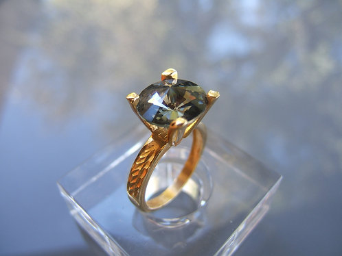 Swarovski ring ,Gold plating ring with Swarovski ,Blue Shade ring