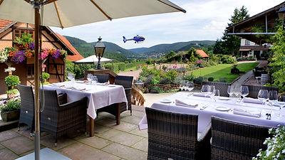 Schafhof-Hubschrauberlandung.jpg
