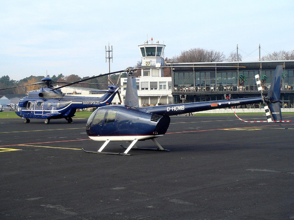 Robinson-Helicopter-R44-0030.jpg