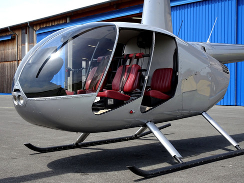 Robinson-Helicopter-R44-0017.JPG