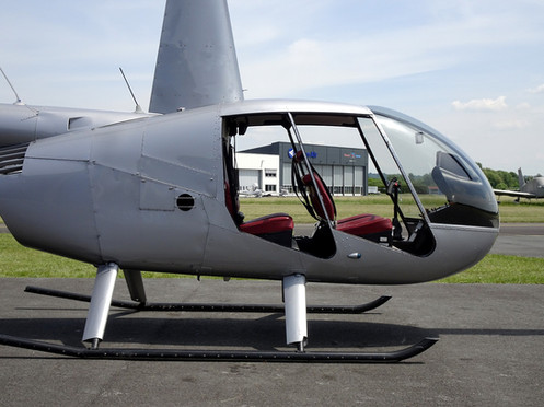 Robinson-Helicopter-R44-0016.JPG