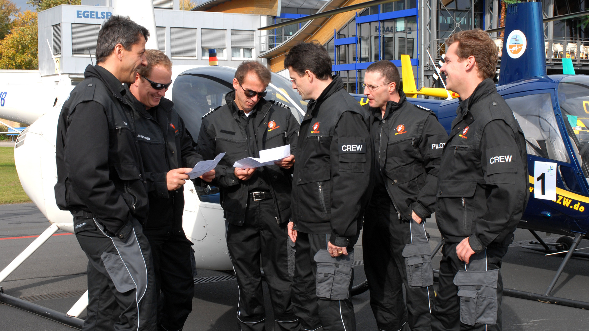 Team EUREX REPO 3 Fluglehrer & 2 Flughelfer Flight Academy