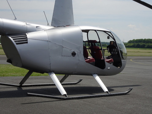 Robinson-Helicopter-R44-0015.JPG