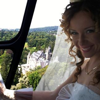Mit dem Hubschrauber zum Traumshloss